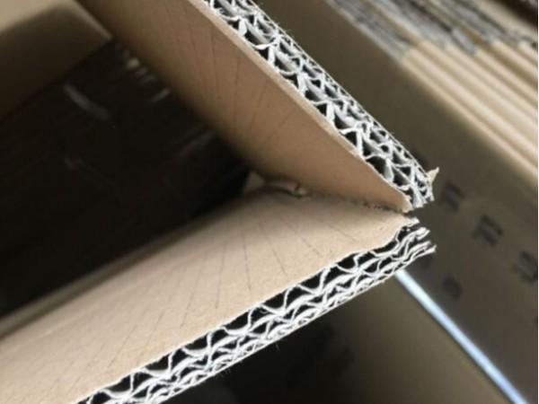 物流快递服装厂周转纸箱包装对纸箱的要求
